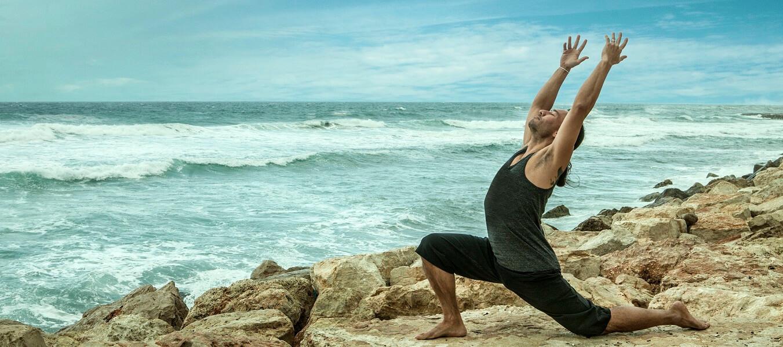 Eddy Toyonaga vinyasa yoga in Tel-Aviv Israel