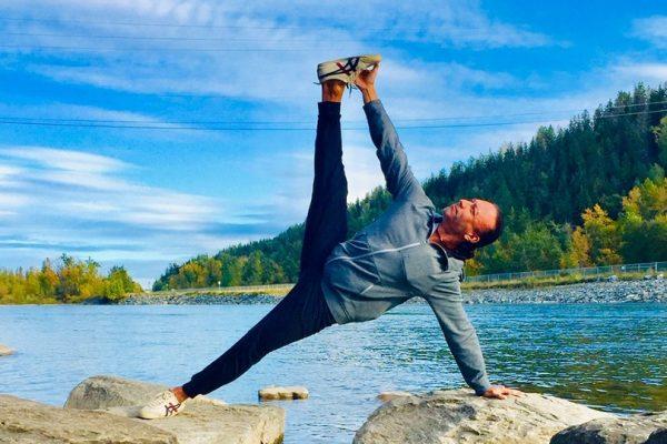 Eddy Toyonaga yoga in Canada